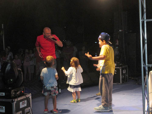 Puya și copiii